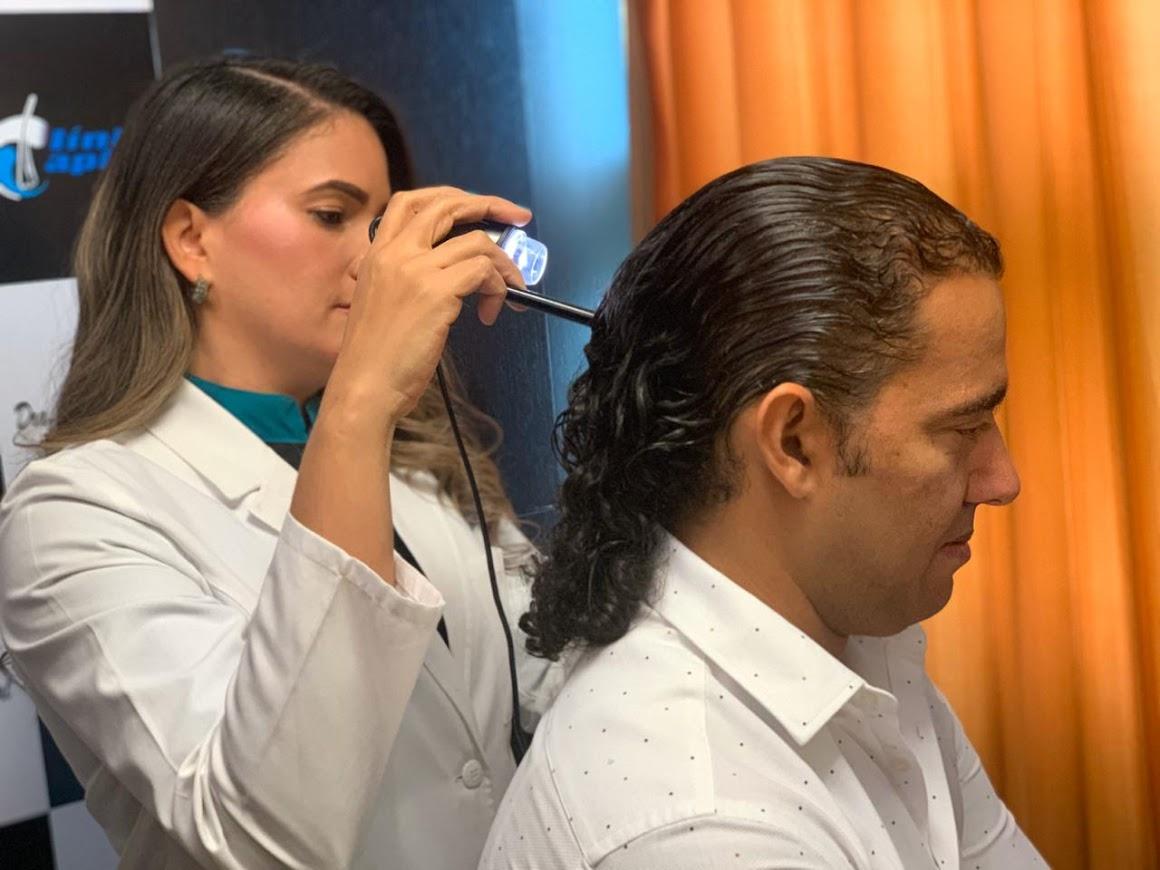 El cabello del hombre también necesita sus cuidados.